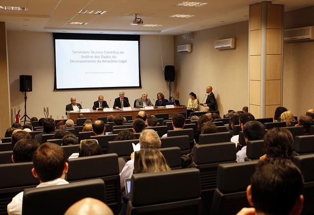 Seminário debate desmatamento na Amazônia